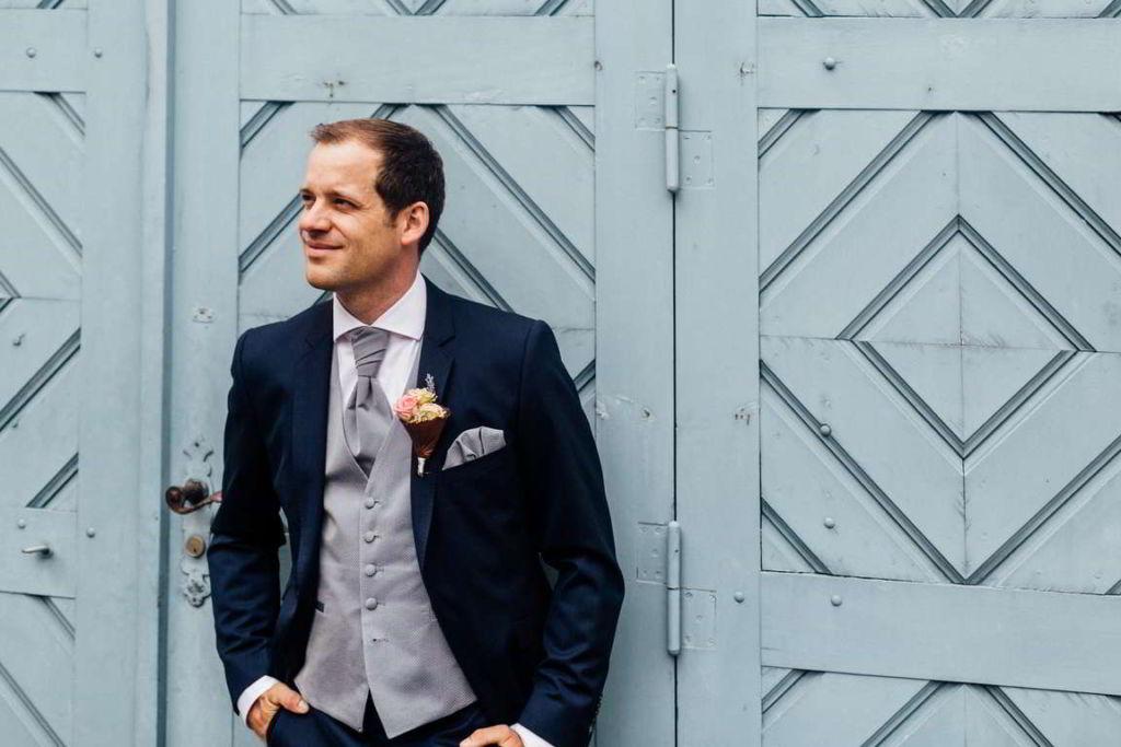 Hochzeitsfotografie Stuttgart Anne und Markus Paarshoot Bräutigam