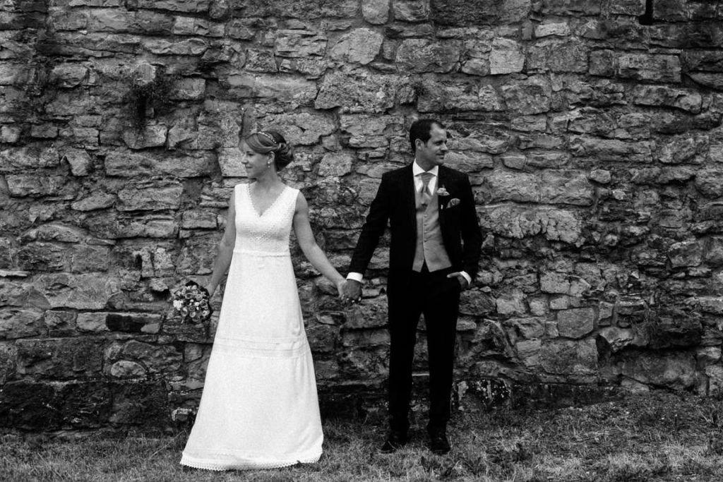 Hochzeitsfotografie Stuttgart Anne und Markus Paarshoot Wand