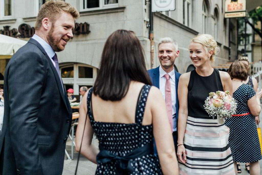 Hochzeitsfotograf Stuttgart Clarissa und Michael Einzug