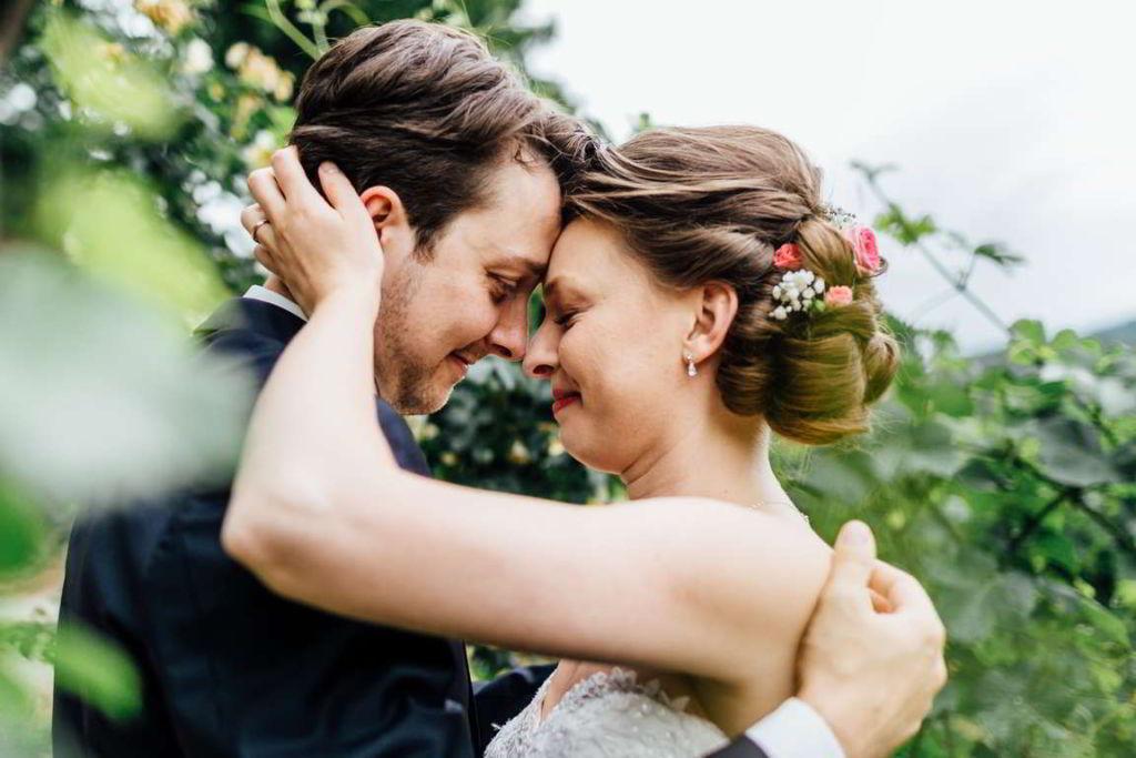 Blog Cornelia und Andreas Paarshooting Weinberg