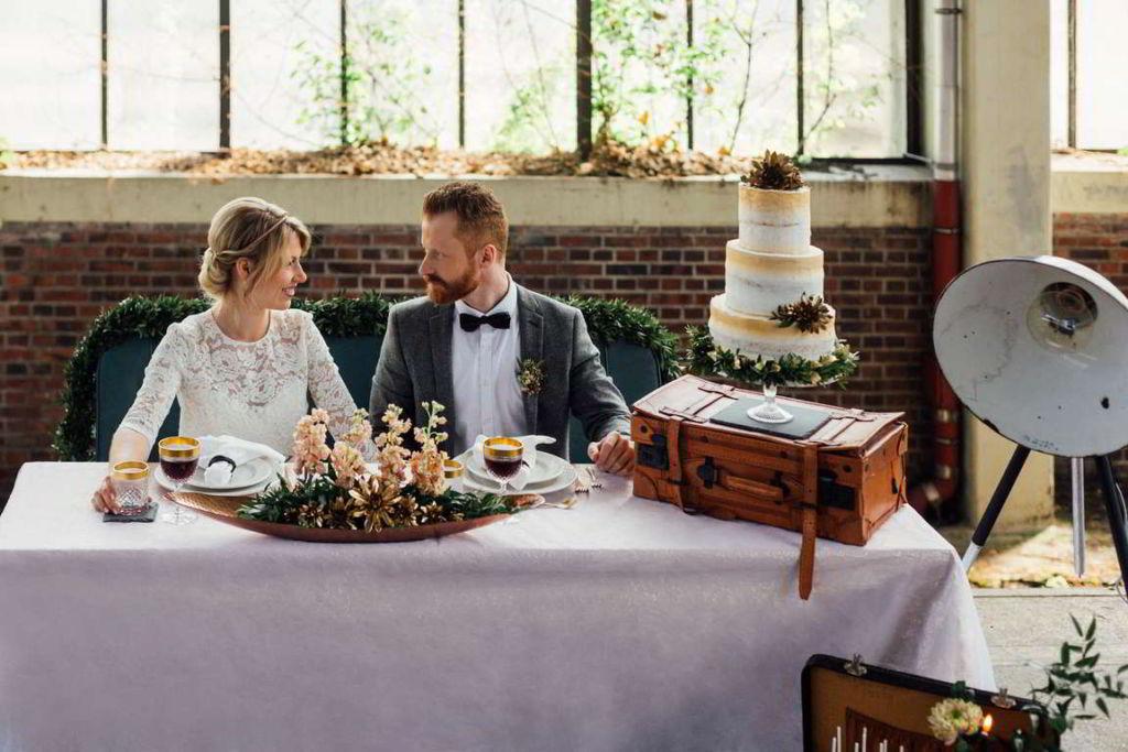 Hochzeitsbilder Stuttgart Eisenbahndepot Tisch
