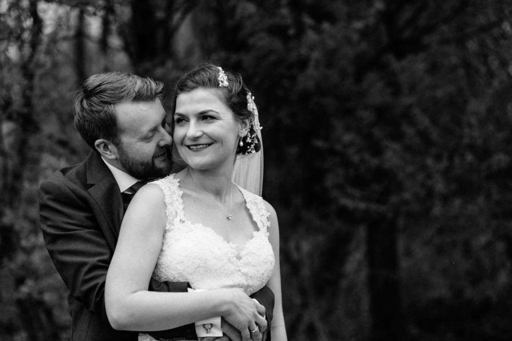 Hochzeitsfotograf Stuttgart Auslandshochzeit Paarshoot Umarmung