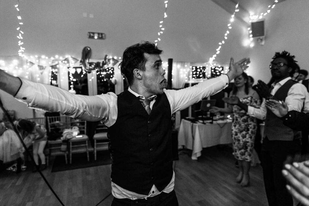Hochzeitsfotograf Stuttgart Auslandshochzeit Party Band