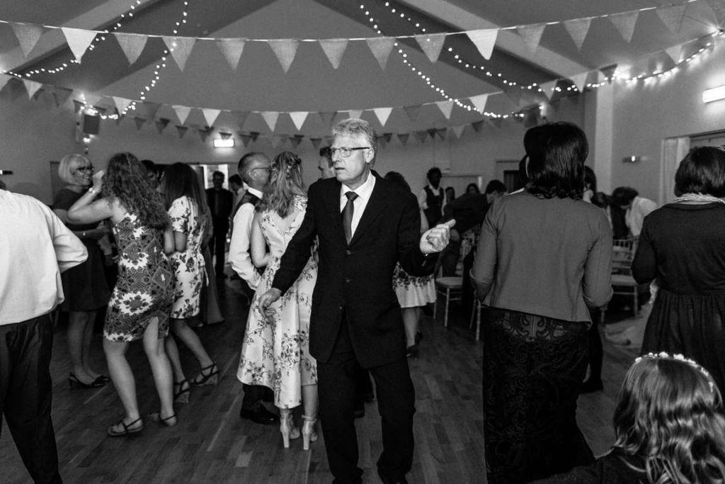 Hochzeitsfotograf Stuttgart Auslandshochzeit Party Tanz