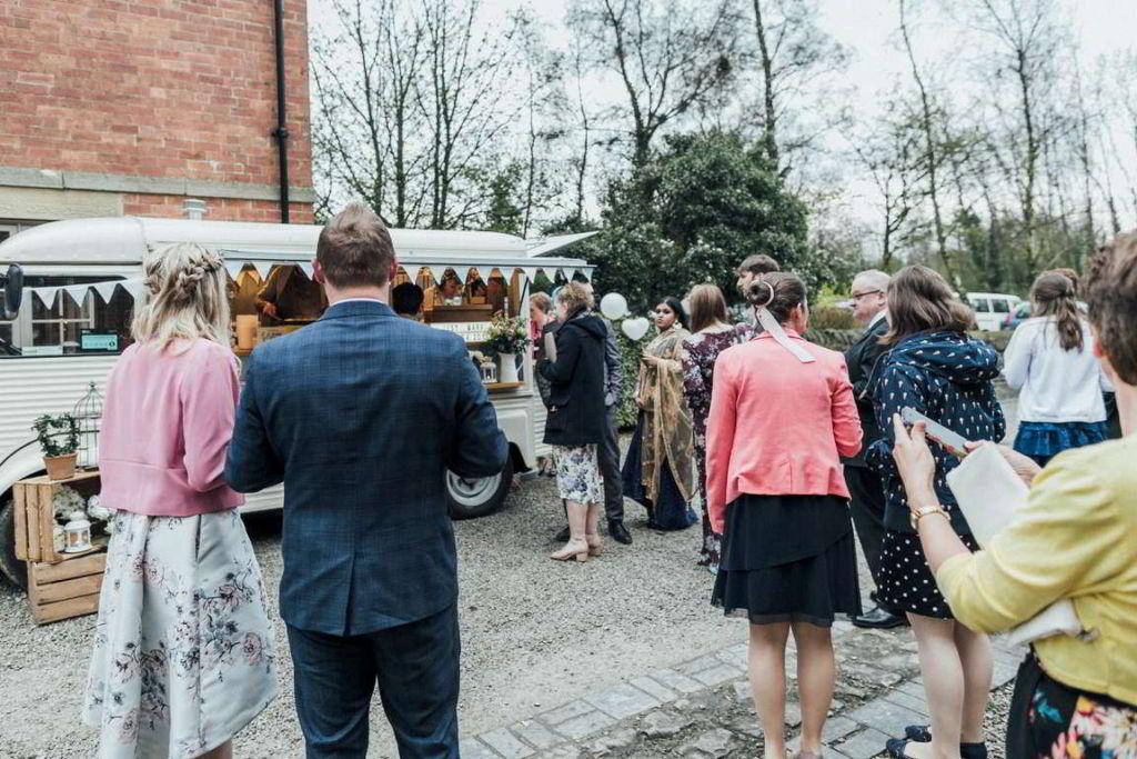 Hochzeitsfotograf Stuttgart Auslandshochzeit Reportage Wagen