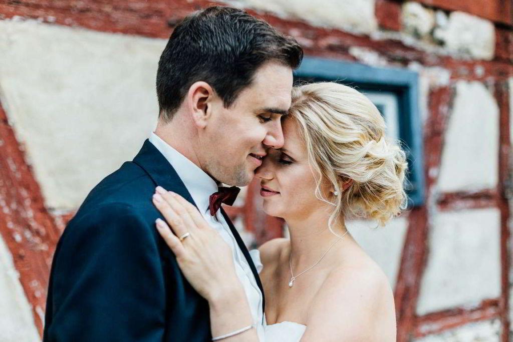 Hochzeitsfotograf Eberdingen Jana und Matthias Paarshoot Fachwerk