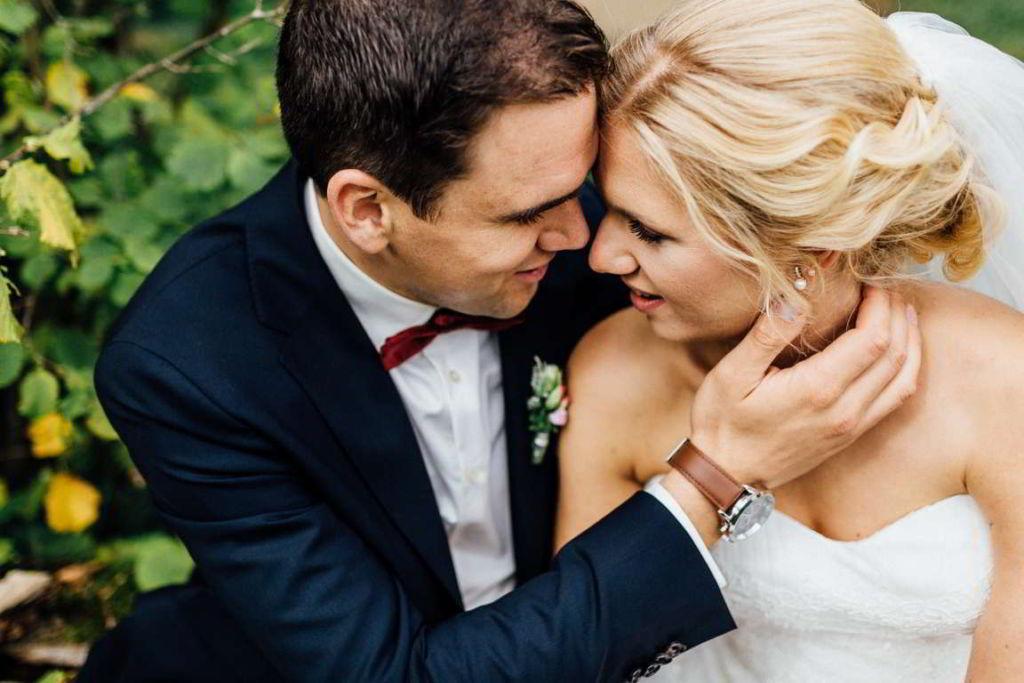 Hochzeitsfotograf Eberdingen Jana und Matthias Paarshoot Umarmung
