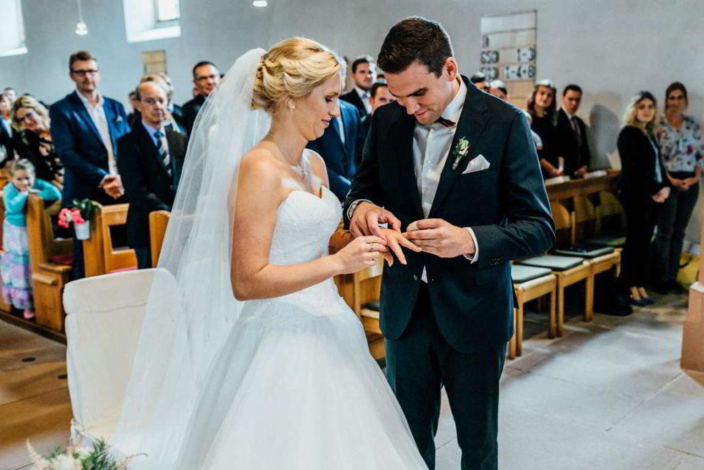 Hochzeitsfotograf Eberdingen Jana und Matthias Trauung Ehering