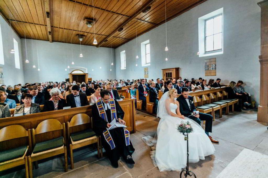 Hochzeitsfotograf Eberdingen Jana und Matthias Trauung Gäste