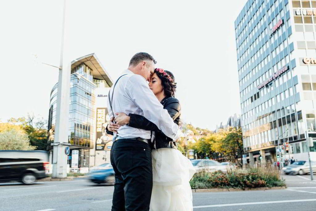 Urban Wedding Jasmin und Marco Charlottenplatz Kreuzung
