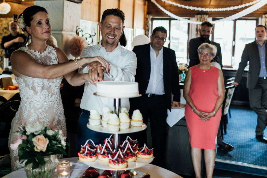 Hochzeitsfotos Melanie und Marc Hochzeitstorte