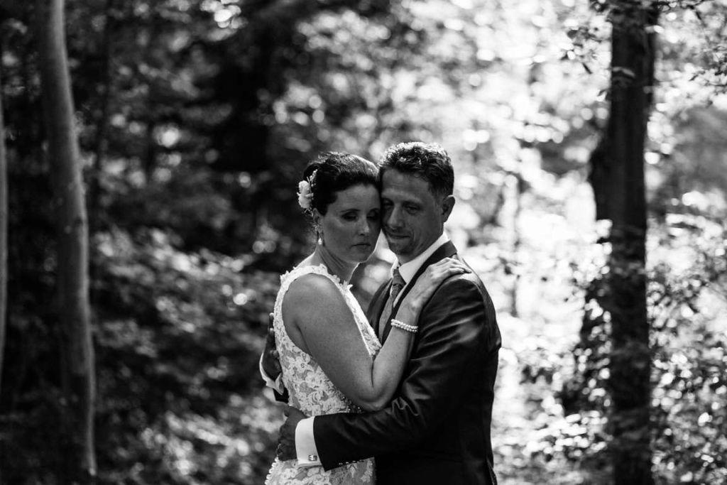 Hochzeitsfotos Melanie und Marc Paarshoot Wald