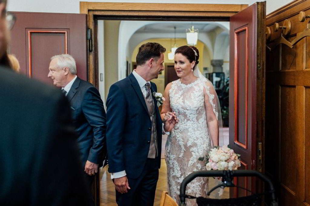 Hochzeitsfotos Melanie und Marc Standesamt Brautpaar