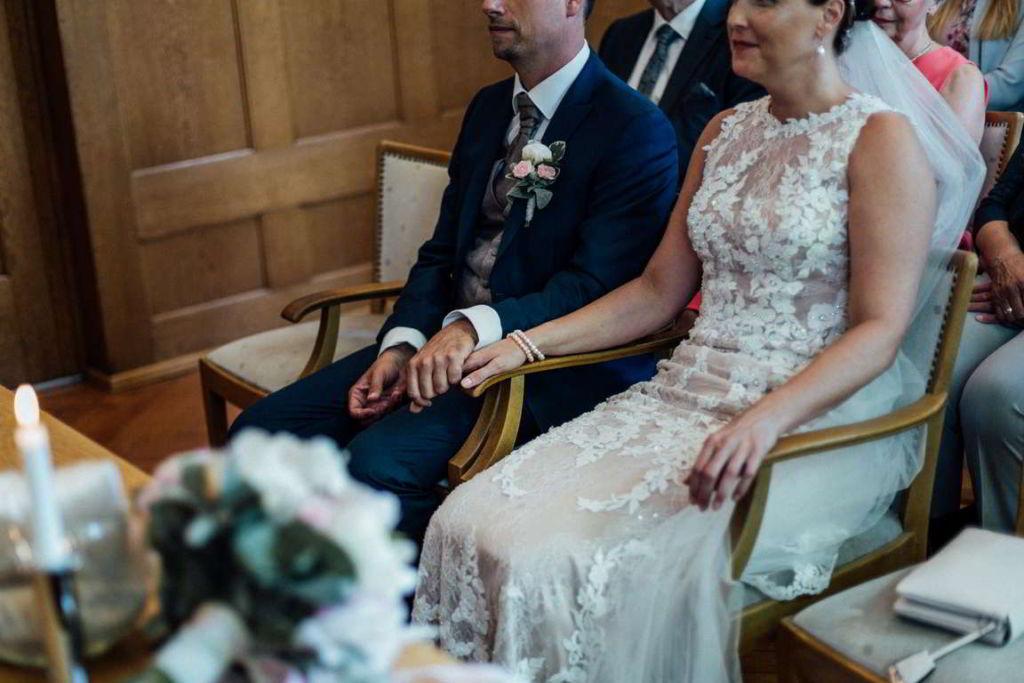 Hochzeitsfotos Melanie und Marc Standesamt Hände