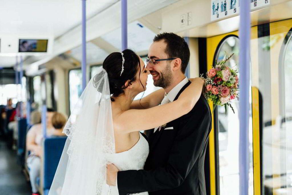 Hochzeitsfotograf Stuttgart Hochzeitsbilder Stuttgart U-Bahn