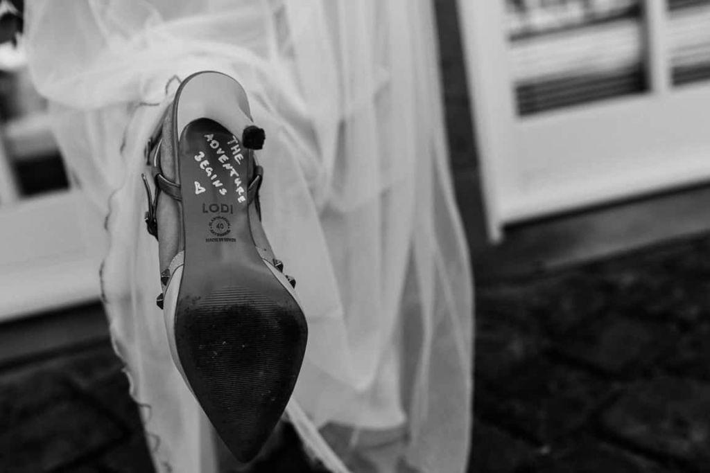 Hochzeitsfotograf Stuttgart Boho Hochzeit Brautschuhe