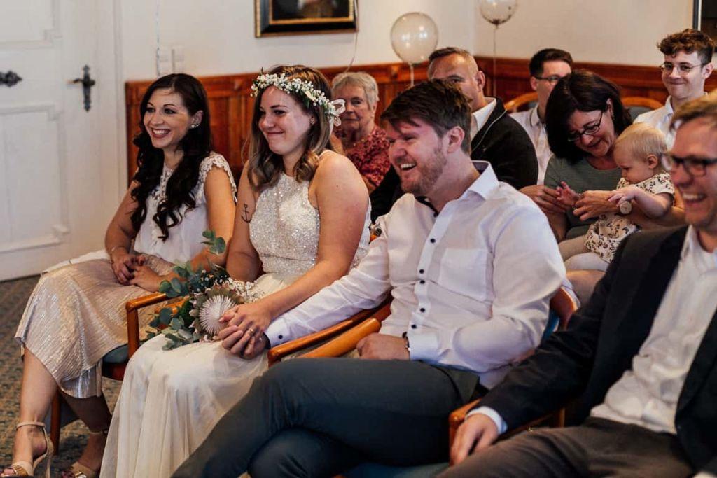 Hochzeitsfotograf Stuttgart Boho Hochzeit Standesamt Brautpaar