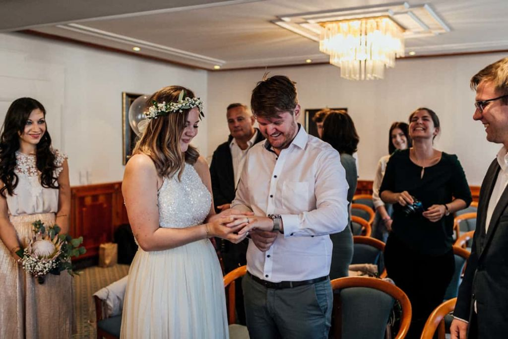 Hochzeitsfotograf Stuttgart Boho Hochzeit Ringtausch