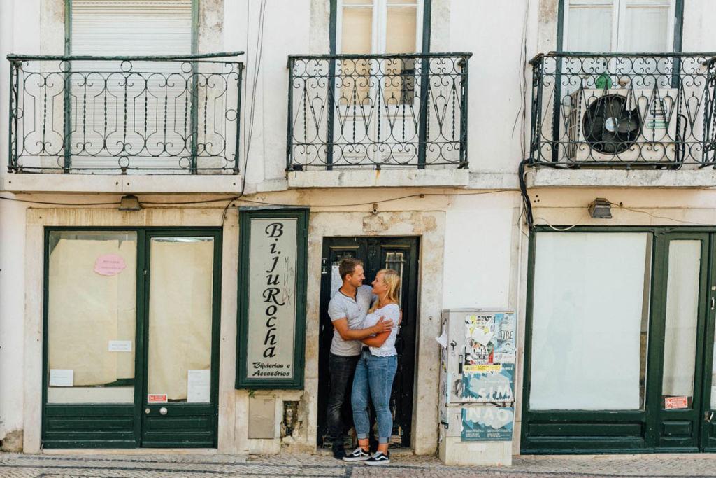 Hochzeitsfotograf Stuttgart Helena Andre Lissabon Liebe Balkon