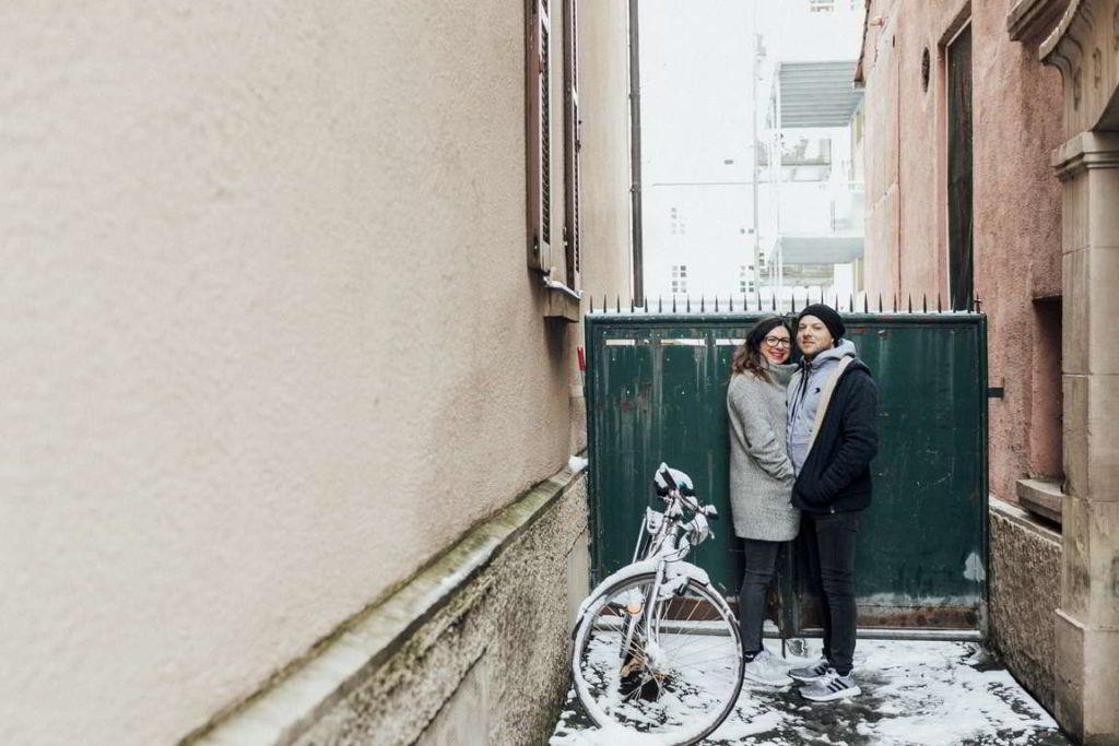 Paarbilder Kathi und Julian Hofeinfahrt