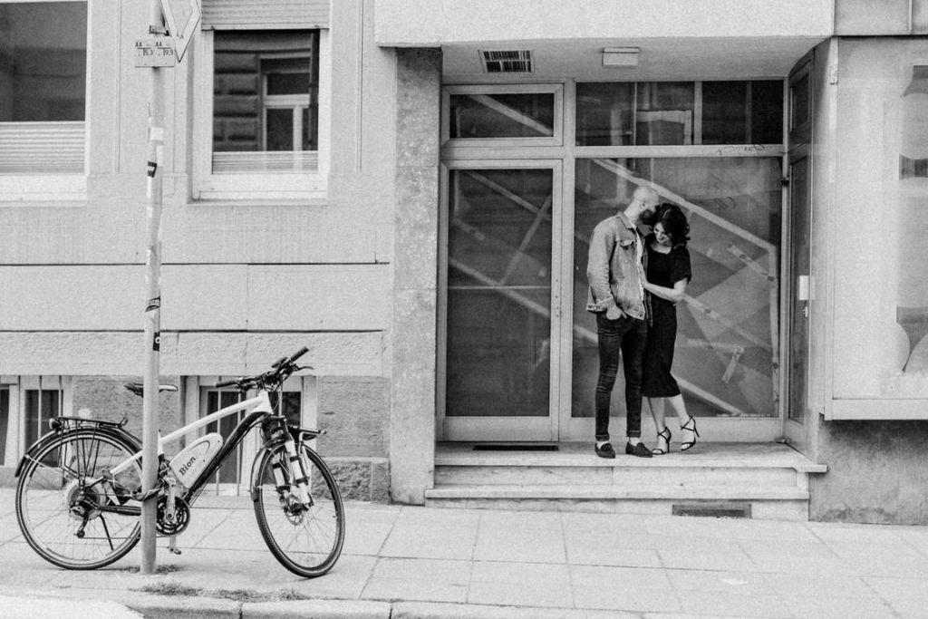 Paarbilder Stuttgart Larissa und Cosmi Ladengeschäft