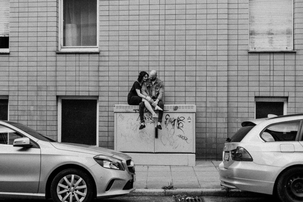 Paarbilder Stuttgart Larissa und Cosmi Umarmung
