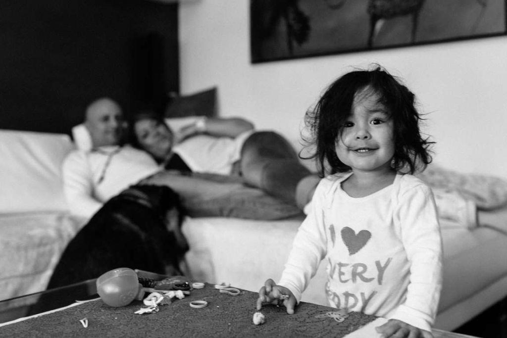Familienfotograf Stuttgart Yasmin und Mark Kind Eltern