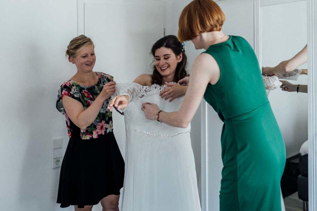 Hochzeitsfotograf Stuttgart Hochzeitslocation Kirchheim Braut Hochzeitskleid
