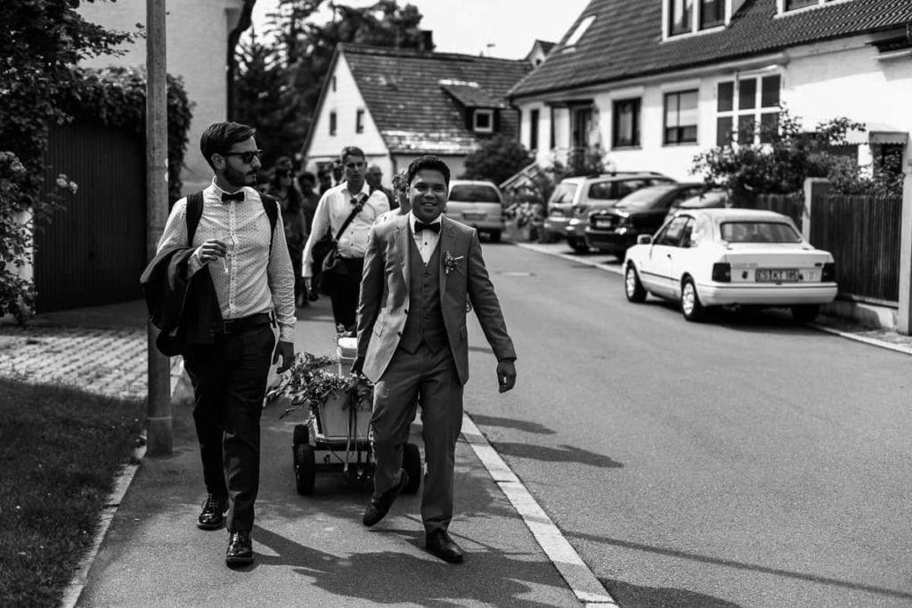Hochzeitsfotograf Stuttgart Hochzeitslocation Kirchheim Bollerwagen