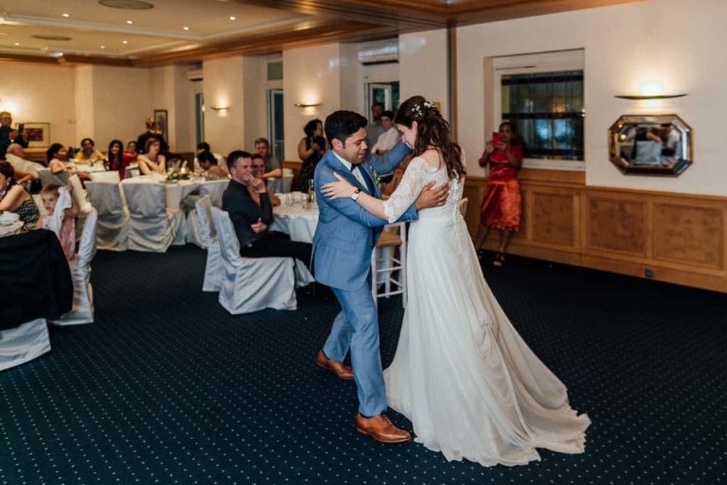 Hochzeitsfotograf Stuttgart Hochzeitslocation Brautpaartanz