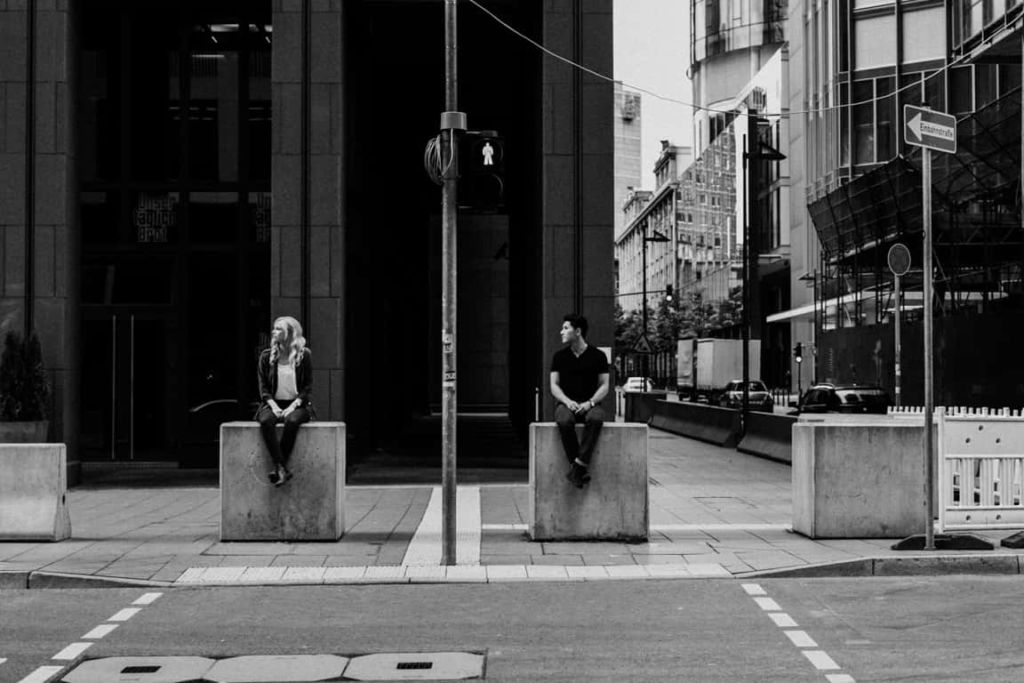 Hochzeitsfotograf Stuttgart Paar Shooting Straßenkreuzung