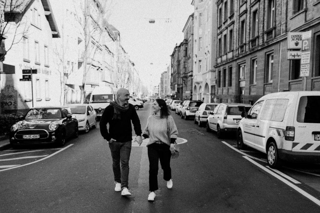 Verliebte Paarfotos in Stuttgart Tübinger Strasse