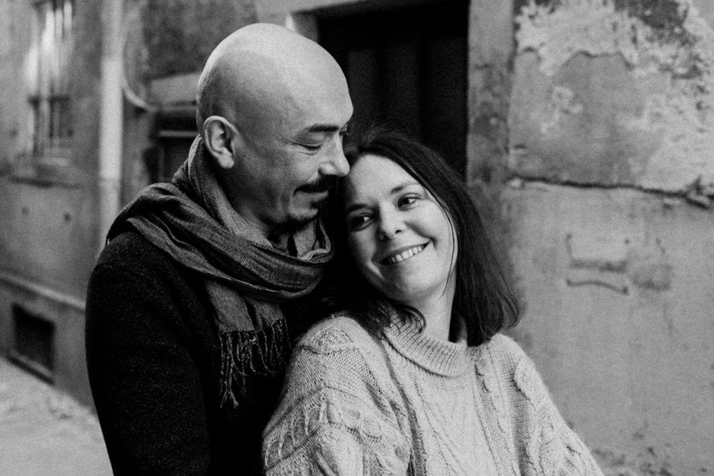 Verliebte Paarfotos in Stuttgart Ehepaar