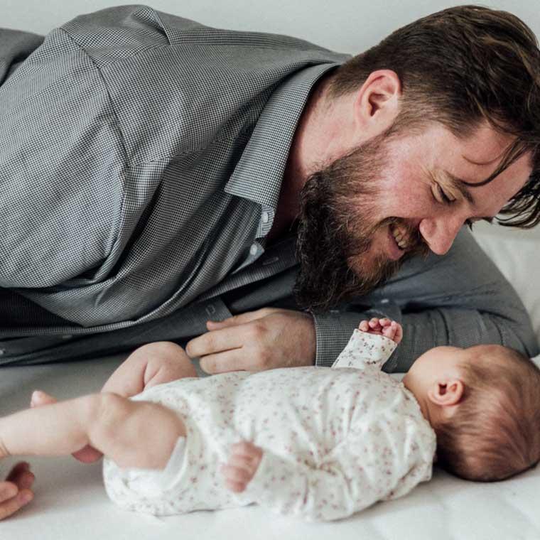 familienfotos-in-stuttgart-papa-und-baby