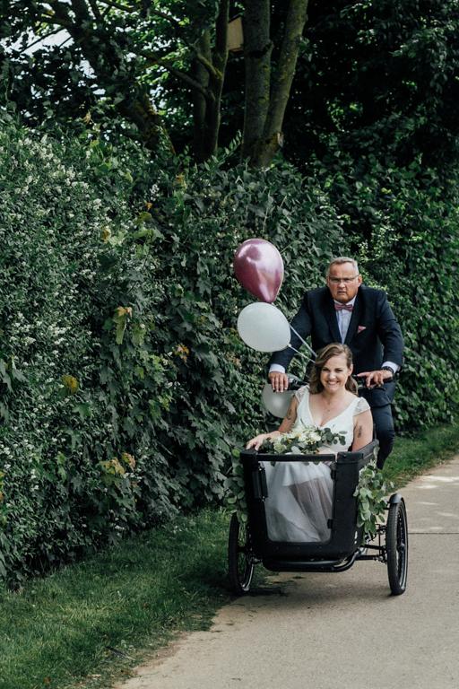 Hochzeitsfotos in Stuttgart Anfahrt Trauung