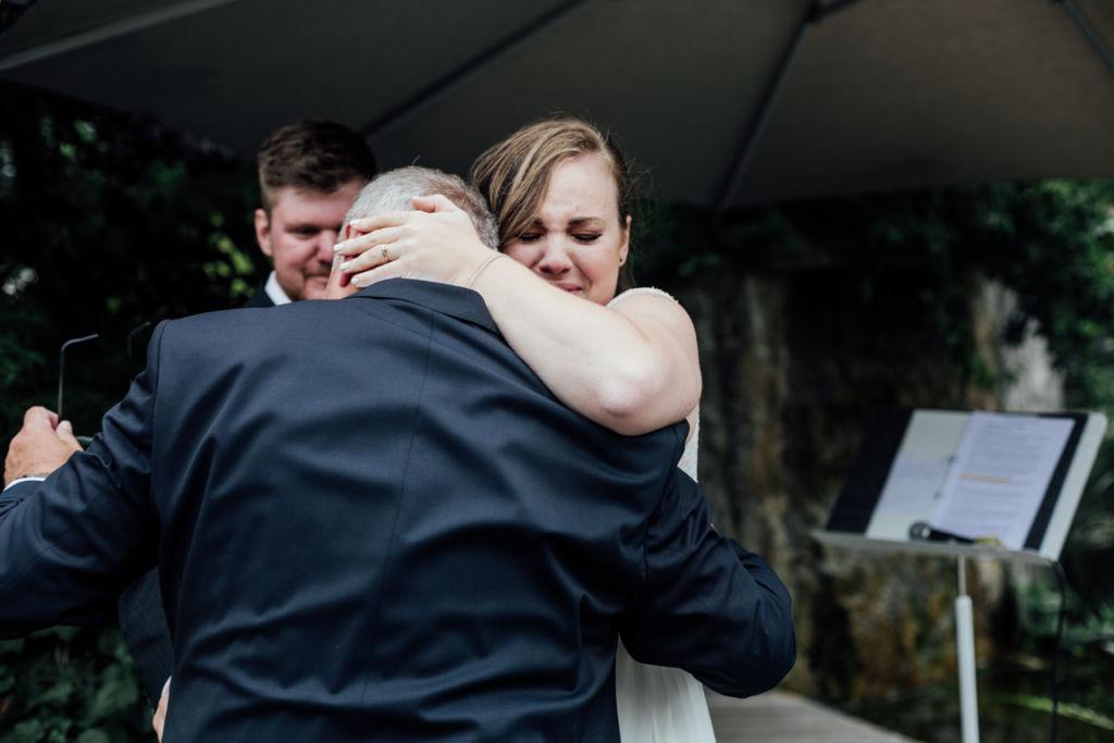 Hochzeitsfotos in Stuttgart Emotionen Braut