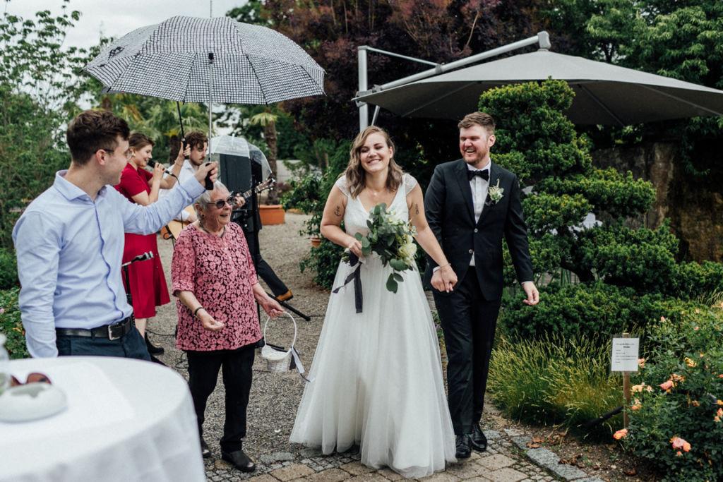 Hochzeitsfotos in Stuttgart Auszug Trauung
