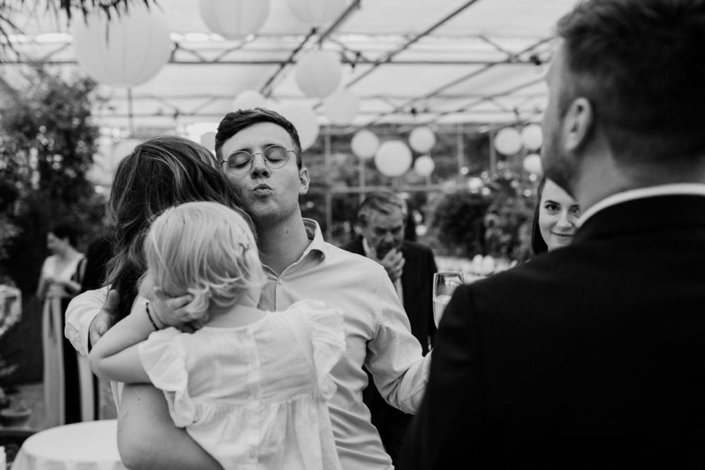 Hochzeitsfotos in Stuttgart Gratulation Spaß