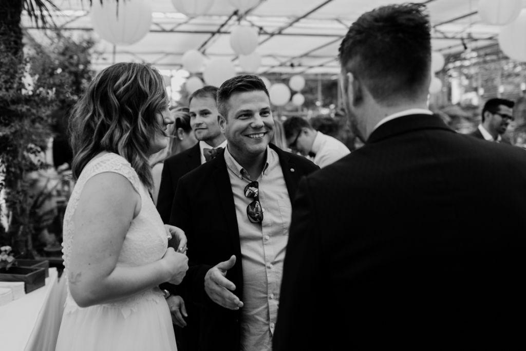 Hochzeitsfotos in Stuttgart Gratulation Freunde