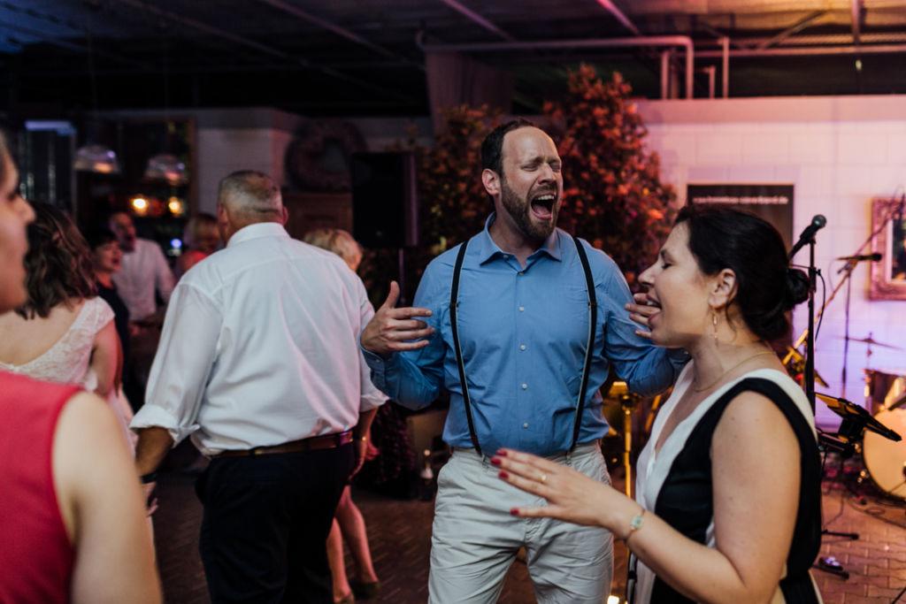 Hochzeitsfotos in Stuttgart Tanzen Party Gäste
