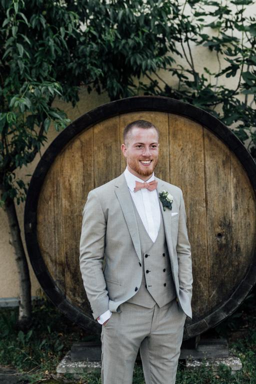 Hochzeitsfotograf für Sportler Bräutigam Weingut Amalienhof