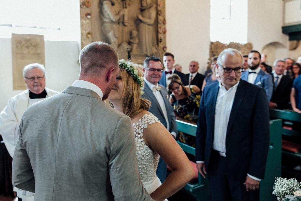 Hochzeitsfotograf für Sportler Einzug Kirche