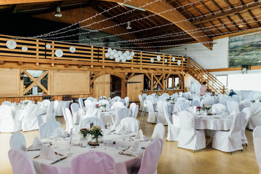 Hochzeitsfotograf für Sportler Amalienhof Dekoration Innen