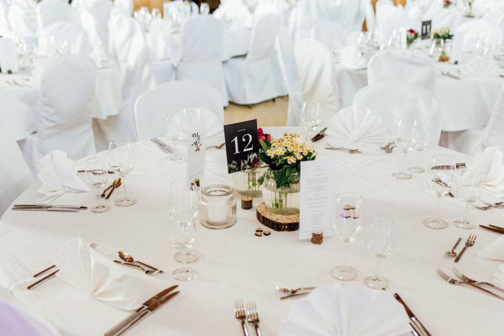 Hochzeitsfotograf für Sportler Amalienhof Dekoration